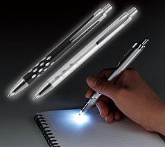 光るメタリックペン